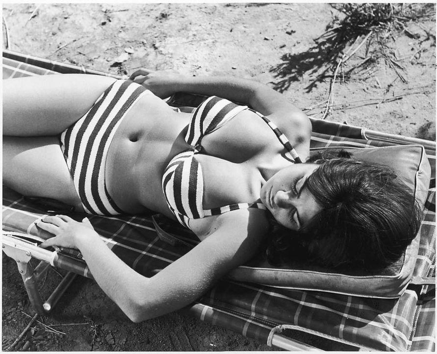 Seine Darstellerinnen (Darstellerin unbekannt) wählte Filmikone Russ Meyer stets entsprechend seiner Vorliebe für extrem große Oberweiten aus ... - Bildquelle: 1967 Eve Prod., Inc.