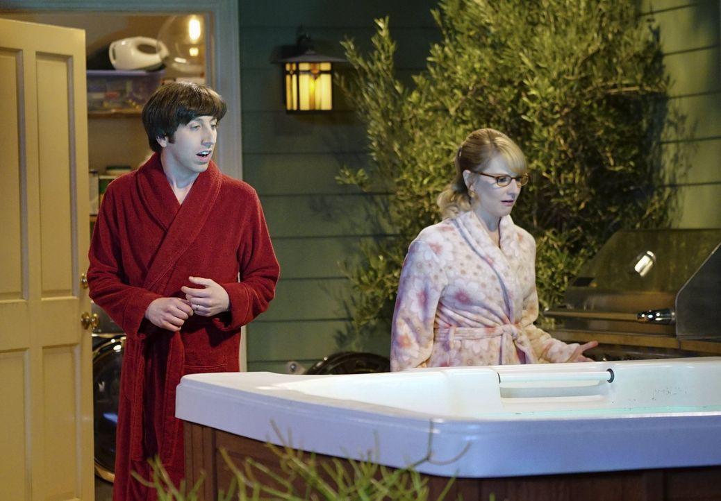Howard (Simon Helberg, l.) und Bernadette (Melissa Rauch, r.) wollen am Valentinstag ihren neuen Whirlpool ausprobieren, stoßen dort allerdings auf... - Bildquelle: 2015 Warner Brothers