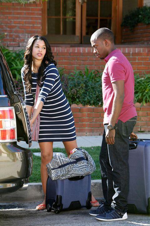 Winston (Lamorne Morris, r.) hat Panik, da Shelby (Kali Hawk, l.) mit ihren Mädels in den Urlaub fahren will ... - Bildquelle: 20th Century Fox