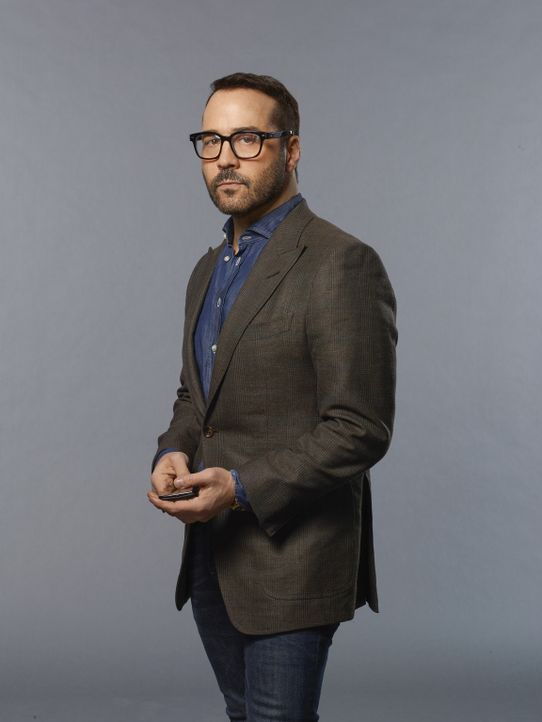 (1. Staffel) - IT-Gigant Tanner (Jeremy Piven) verkauft seine Firma im Silicon Valley, um sich nur noch einem zu widmen: Den wahren Mörder seiner To... - Bildquelle: Brendan Meadows 2017 CBS Broadcasting, Inc. All Rights Reserved