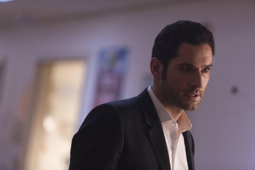 Um Chloe zu retten, reist Lucifer (Tom Ellis) in die Hölle und will die Seele von Professor Carlisle dazu zwingen, ihm die Formel für das Gegenmitte... - Bildquelle: 2016 Warner Brothers