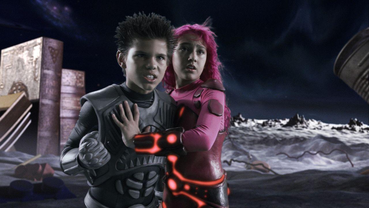Eines Tages müssen Shark Boy (Taylor Lautner, l.) und Lava Girl (Taylor Dooley, r.) erfahren, dass es sogar in der irrealen Welt ganz viele Bösewi... - Bildquelle: 2005 Miramax Film Corp. All Rights Reserved.