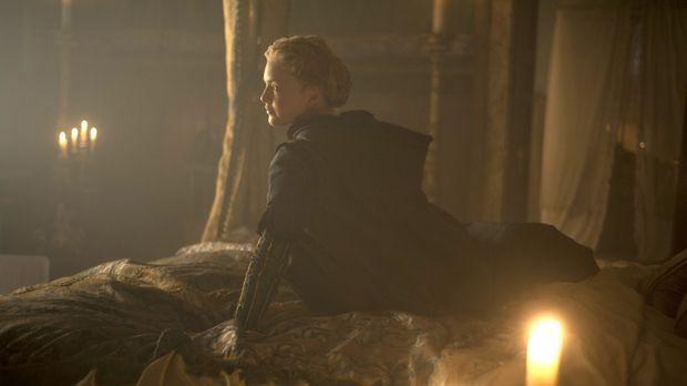 Gefangene im goldenen Käfig. Lucrezia (Holliday Grainger) wird vom neuen Köni...