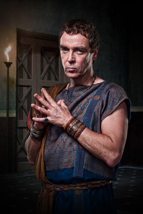 Quintus Lentulus Batiatus (John Hannah) ist Besitzer der Gladiatorenschule. Er erkennt schnell, dass Spartacus ein talentierter Kämpfer ist, aus dem... - Bildquelle: 2009 Starz Entertainment, LLC