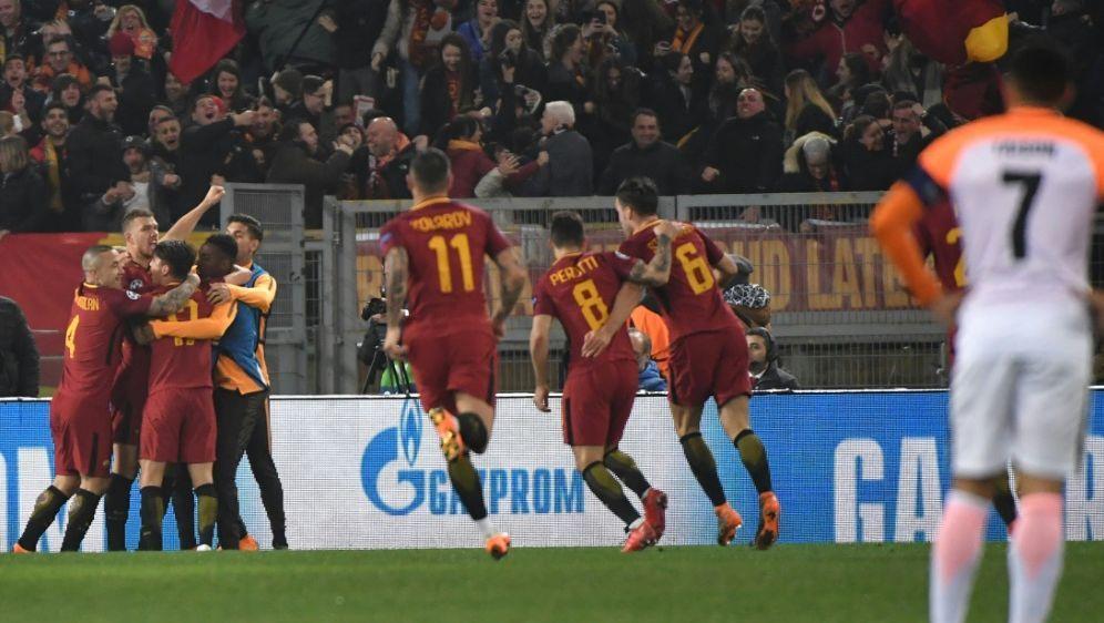 Die Roma bejubelt den Einzug ins Viertelfinale - Bildquelle: AFPSIDANDREAS SOLARO