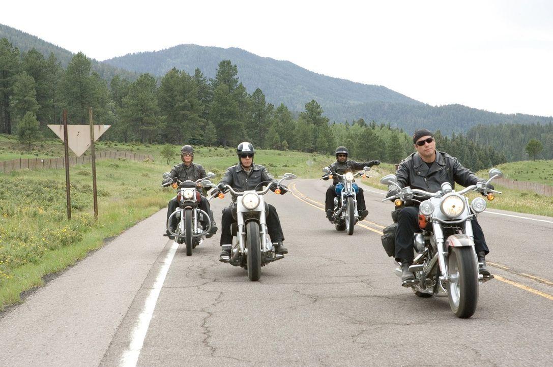 Die vier ungleichen Freunde Woody (John Travolta, r.), Dudley (William H. Macy, l.), Doug (Tim Allen, 2.v.l.) und Bobby (Martin Lawrence, 2.v.r.) kö... - Bildquelle: Touchstone Pictures.  All rights reserved
