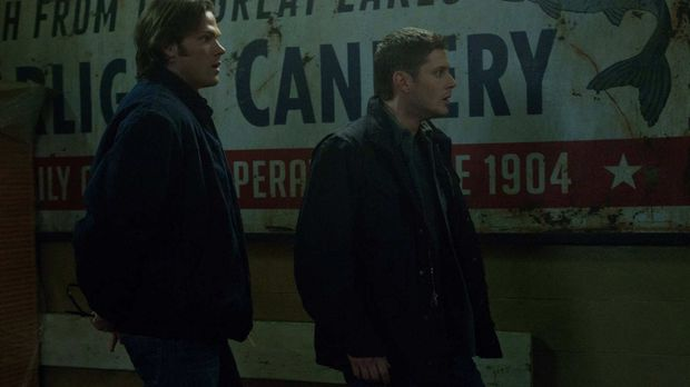 Als Sam (Jared Padalecki, l.) und Dean (Jensen Ackles, r.) klar wird, was Eve...