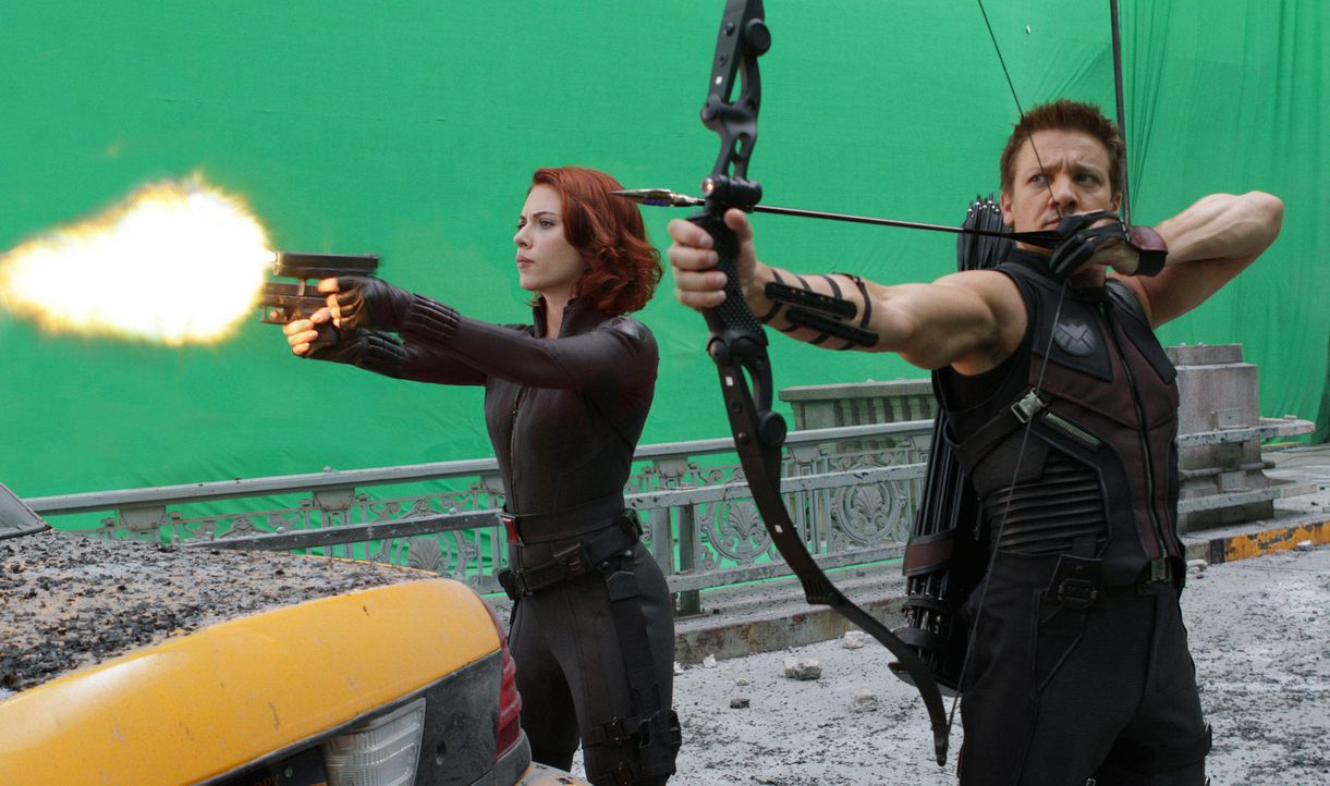 the-avengers-set-012-2011-mvlffllc-tm-2011-marveljpg 2000 x 1183 - Bildquelle: 2011 MVLFFLLC TM & 2011 Marvel