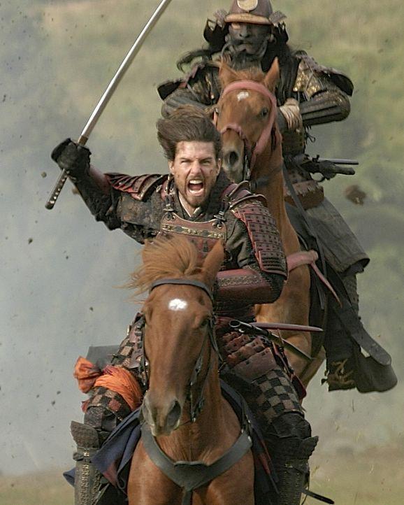 Zwischen Nathan Algrens (Tom Cruise) Truppe und den Samuraikriegern bricht ein Kampf auf Leben und Tod aus ... - Bildquelle: Warner Bros.