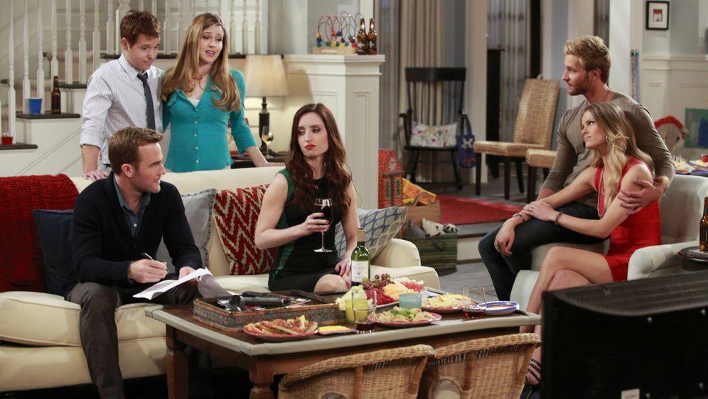Gute Freunde halten zusammen - Bildquelle: 2013 CBS Broadcasting, Inc.