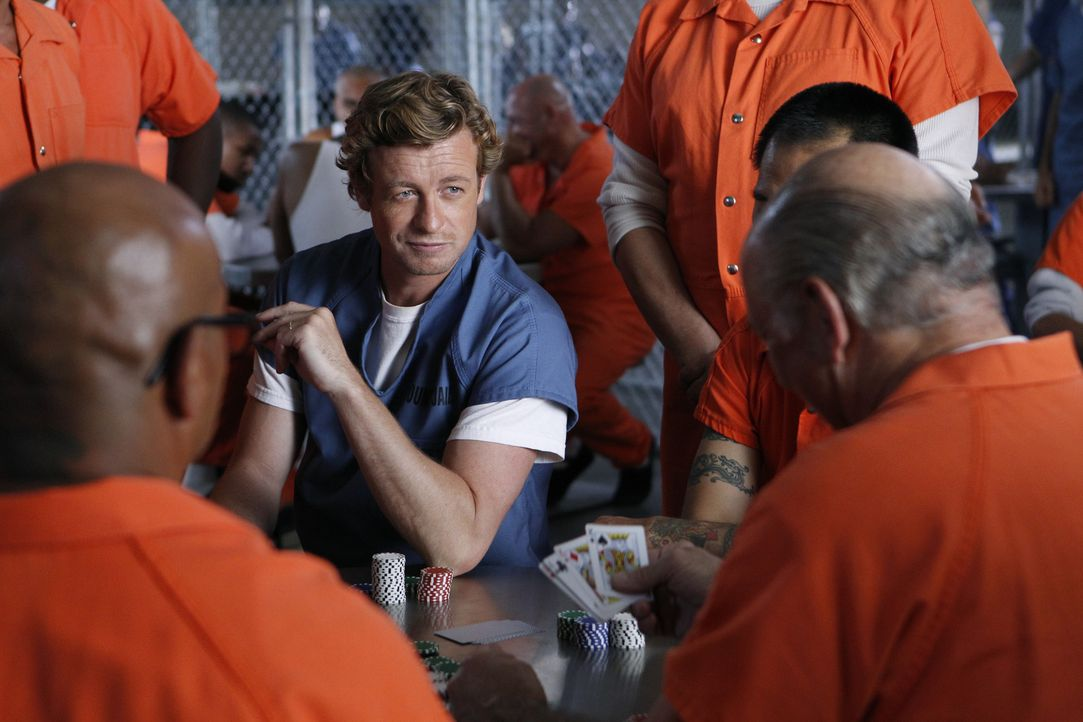 Patrick Jane (Simon Baker) hat Red John getötet, doch niemand will ihm glauben. Er muss aus dem Gefängnis heraus organisieren, dass sich das Team de... - Bildquelle: Warner Bros. Television