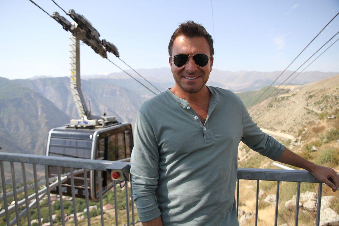 Armenien on the Rocks: In einer der ältesten von Menschen bewohnten Region der Welt stößt Barprofi Jack Maxwell auf Menschenopfer, selbstgebrannten... - Bildquelle: 2014, The Travel Channel, L.L.C. All Rights Reserved.