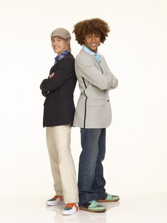 Weil seine Schwester dieser Jahr zum Talentwettbewerb partout mit Troy antreten will, verbündet sich Ryan (Lucas Grabeel, l.) mit Chad (Corbin Bleu... - Bildquelle: Buena Vista International Television