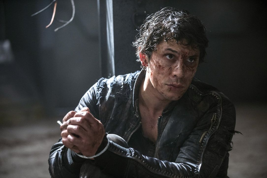Wird es Bellamy (Bob Morley) gelingen, aus dem Ark auszubrechen und endlich seine Freunde zu suchen? - Bildquelle: 2014 Warner Brothers
