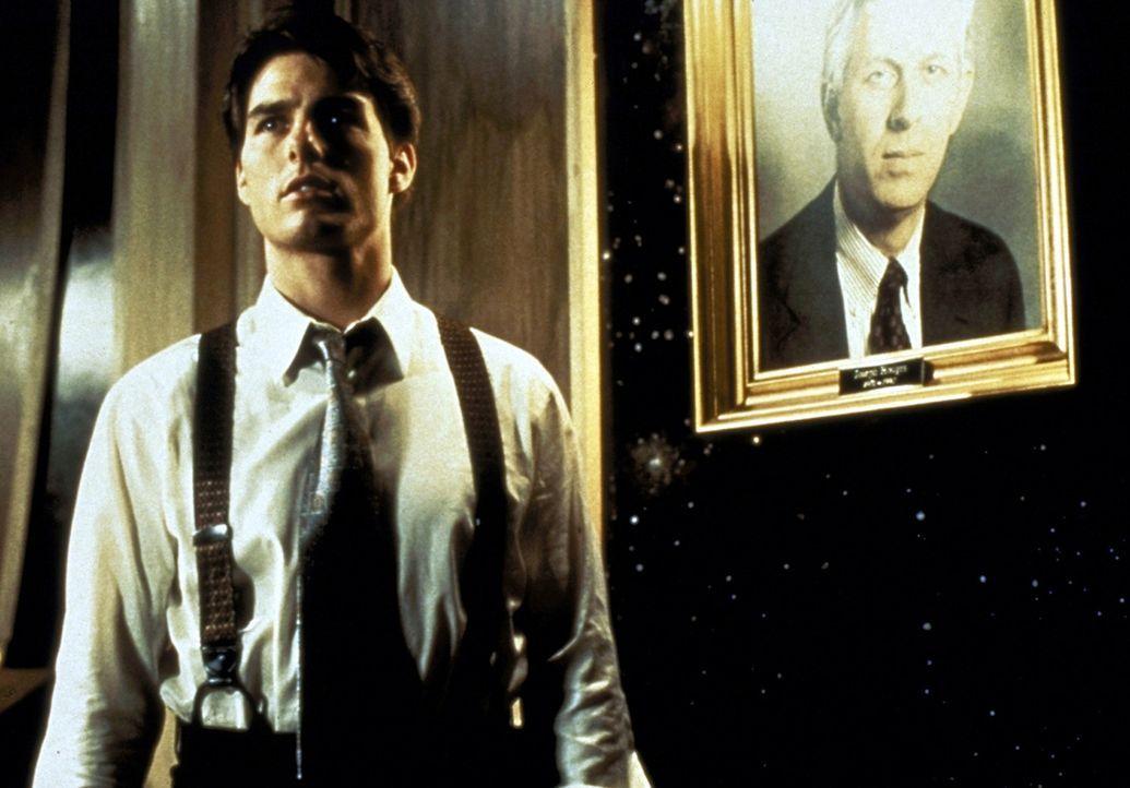 Als Mitch McDerre (Tom Cruise) entdeckt, dass die Kanzlei als eine gigantische Geldwaschanlage für die Mafia in Chicago fungiert, gerät er zwische... - Bildquelle: Paramount Pictures