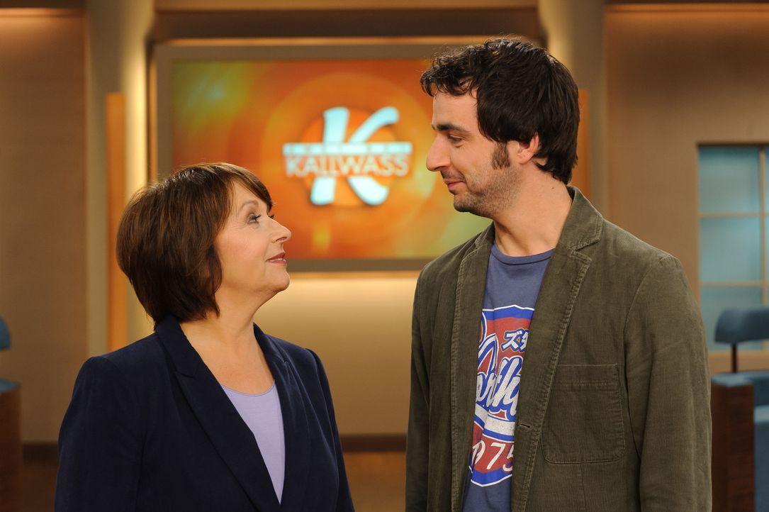Angelika Kallwass (l.) und Alex (r.) helfen, Konflikte zu lösen. - Bildquelle: Willi Weber SAT.1