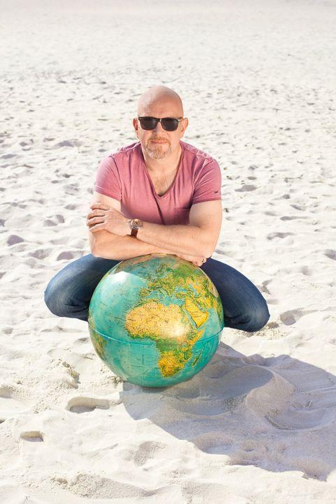 Reporter Peter Giesel reist mit seinem Team um die Welt und ist Urlaubsbetrügern auf der Spur ... - Bildquelle: kabel eins