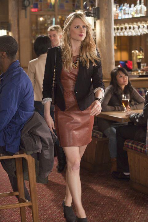 Lässt sich Emily Owens (Mamie Gummer) tatsächlich auf ein Date mit einem Unbekannten ein? - Bildquelle: Liane Hentscher 2012 The CW Network, LLC. All rights reserved.