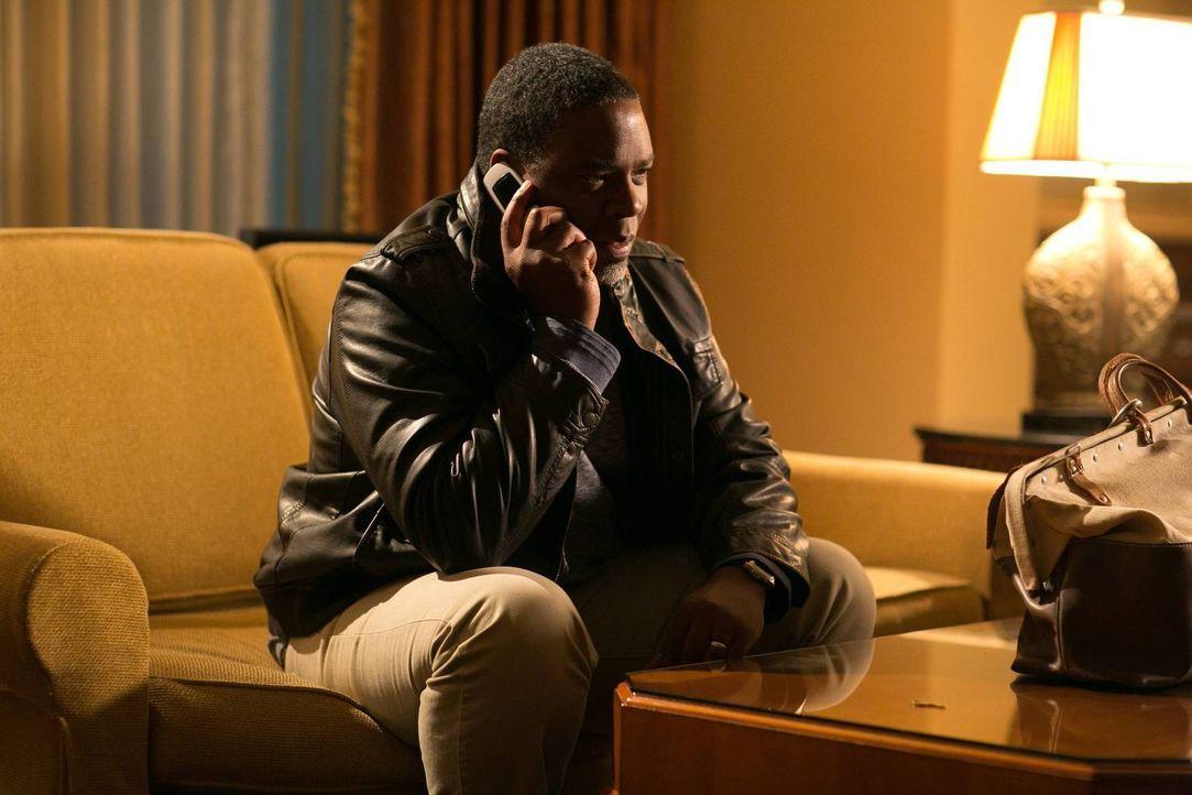 Wird Clark Froy (Jonathan Adams) für die Sicherheit seiner Tochter töten? - Bildquelle: 2013-2014 NBC Universal Media, LLC. All rights reserved.