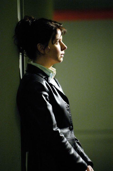 Steht vor einem Rätsel: Diana (Jacqueline McKenzie) ... - Bildquelle: Viacom Productions Inc.
