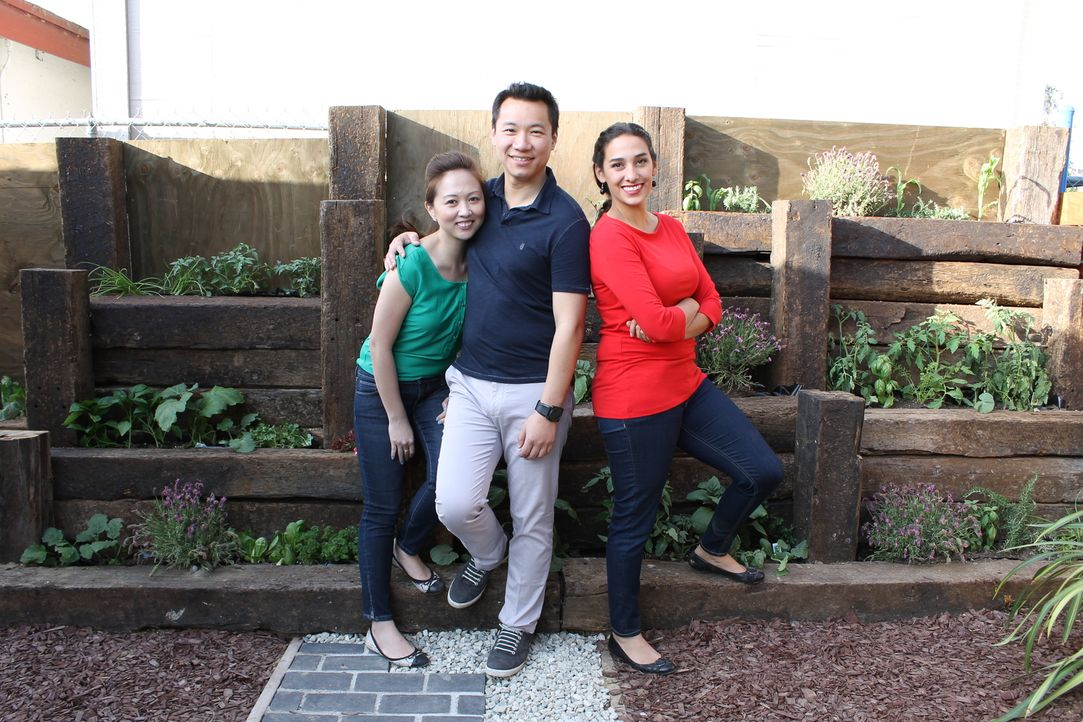 Als Gayle (l.) und Siao (M.) vor zwei Jahren ihr Haus gekauft haben, sahen sie viel Potenzial darin und begannen gleich mit der Renovierung. Doch fü... - Bildquelle: 2014, DIY Network/Scripps Networks, LLC. All Rights Reserved.