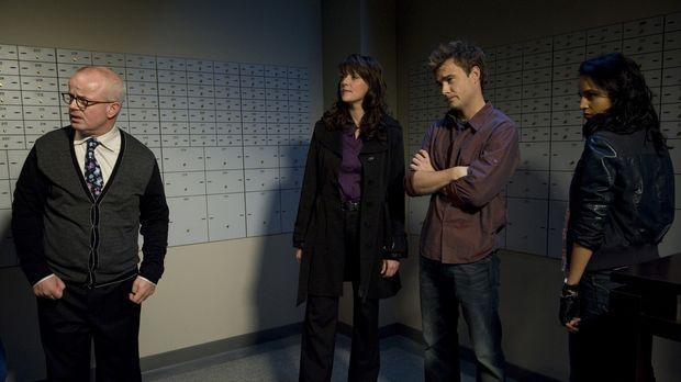 Eigentlich wollten Kate (Agam Darshi, r.), Will (Robin Dunne, 2.v.r.) und Hel...