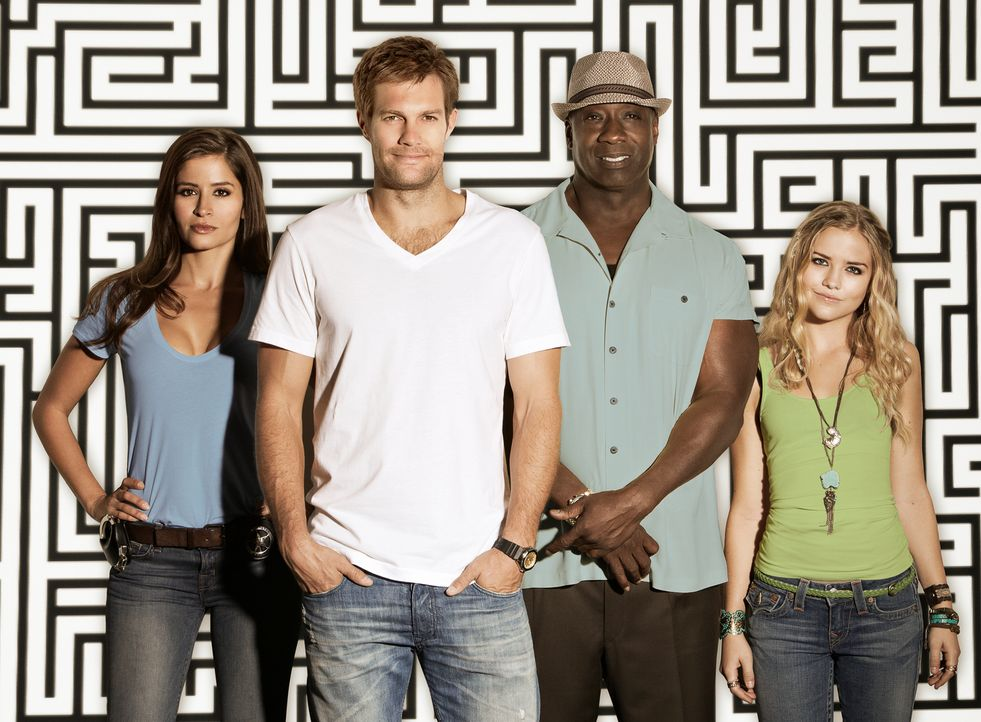 (1. Staffel) - THE FINDER mit Geoff Stults (2.v.l.)  als Walter Shermann, Mercedes Masöhn (l.) als Deputy U.S. Marshal Isabel Zambada, Michael Clark... - Bildquelle: 20th Century Fox International Television