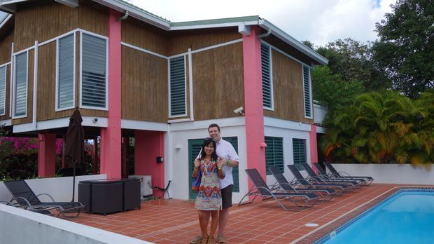 Mathias (hinten) und Monica (vorne) lieben die karibischen Strände. Jetzt suc...