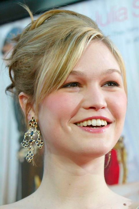 Julia Stiles 2004 - Bildquelle: Kevin Winter/Getty