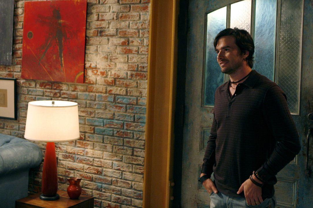 Noch freut sich Rufus (Matthew Settle) über das verkaufte Bild, doch dann fangen die Probleme an ... - Bildquelle: Warner Brothers