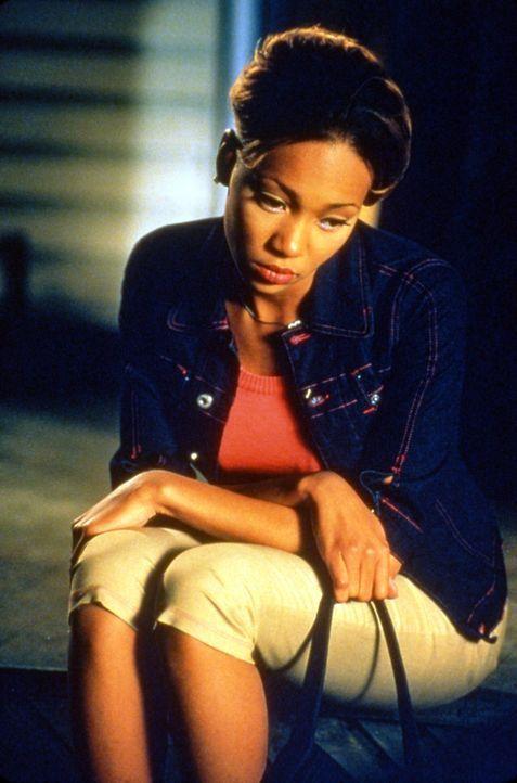 Als Tochter wohlhabender Eltern hat Camille (Monica Arnold) alles, wovon Mädchen träumen. Doch glücklich ist sie trotzdem nicht, denn ihre Eltern... - Bildquelle: TM &   2003 Paramount Pictures Corporation