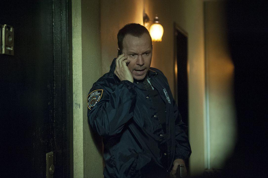 Danny (Donnie Wahlberg) versucht die Entführung mehrerer serbischer Frauen aufzuklären. Die Lage spitzt sich zu ... - Bildquelle: Jojo Whilden 2014 CBS Broadcasting Inc. All Rights Reserved.
