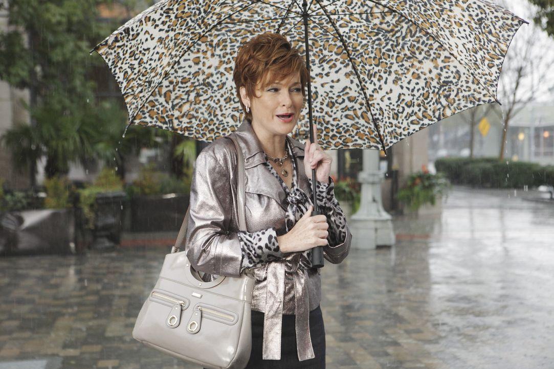 Barb (Carolyn Hennesy) prahlt mal wieder mit ihrem Männerverschleiß - doch schon bald wird sie ihre Strafe bekommen ... - Bildquelle: 2009 ABC INC.