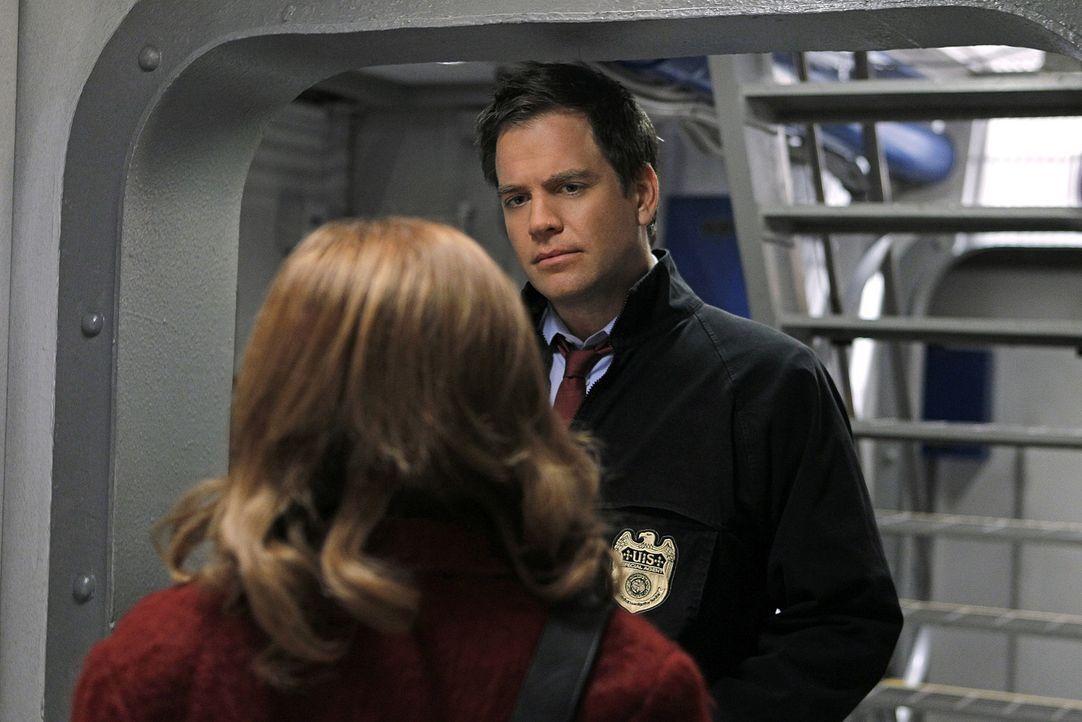 Dr. Rachel Cranston (Wendy Makkena, l.) taucht in der NCIS-Zentrale auf mit dem Auftrag, das komplette Team psychologisch zu begutachten. Selbstvers... - Bildquelle: CBS Television