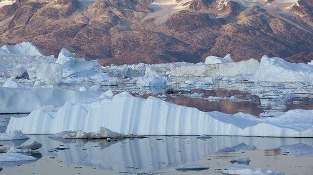 Tsunami und Erdbeben vor Grönland