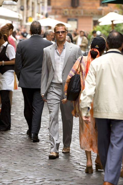 In Europa versuchen Danny, Rusty (Brad Pitt) und Co alles, um an das Geld für Benedict zu kommen ... - Bildquelle: Warner Bros. Television