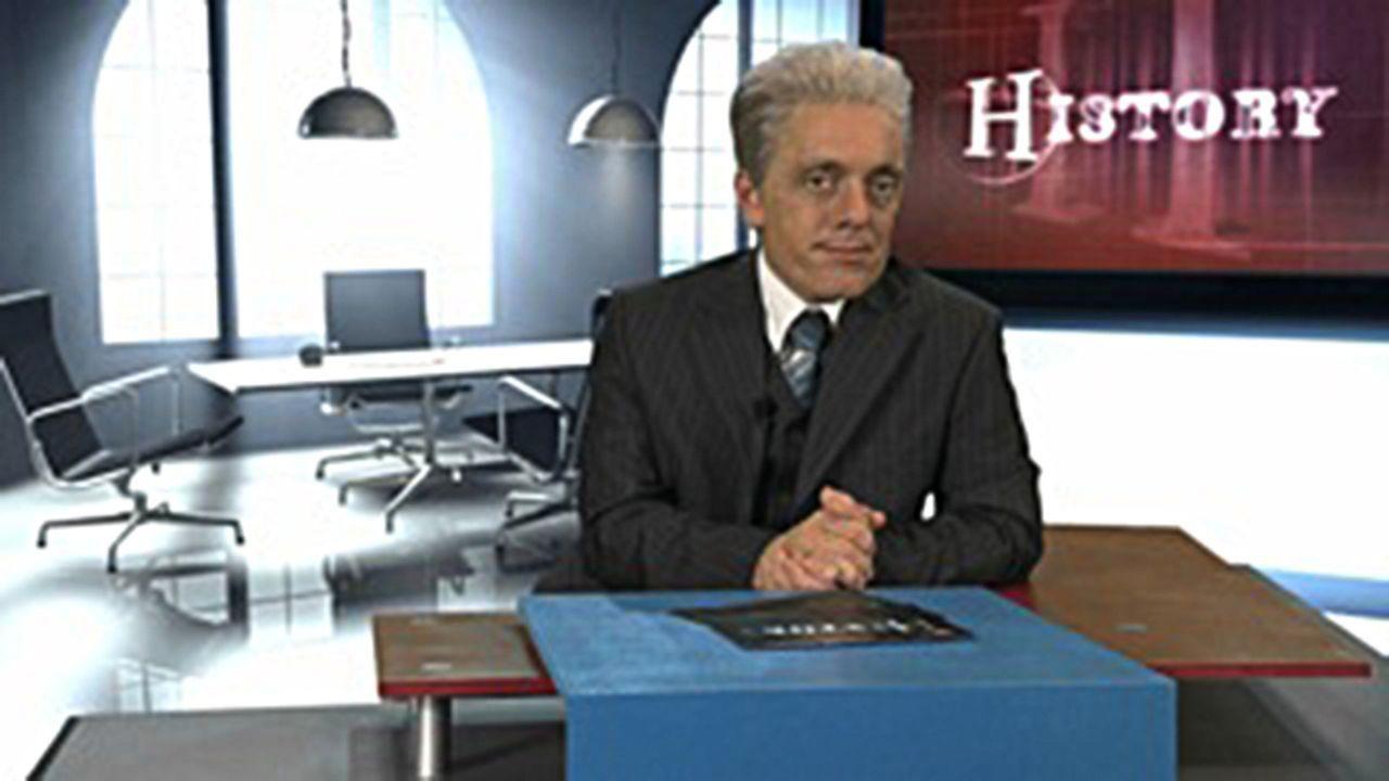 """Apokalypse 2012! Die Welt verabschiedet sich nach dem Maya-Kalender am 21. Dezember. Deshalb lässt Dr. Guido Knopp (Bernhard Hoëcker) im """"switch r... - Bildquelle: ProSieben"""