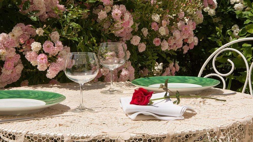 Sommertisch-Rose - Bildquelle: Pixabay