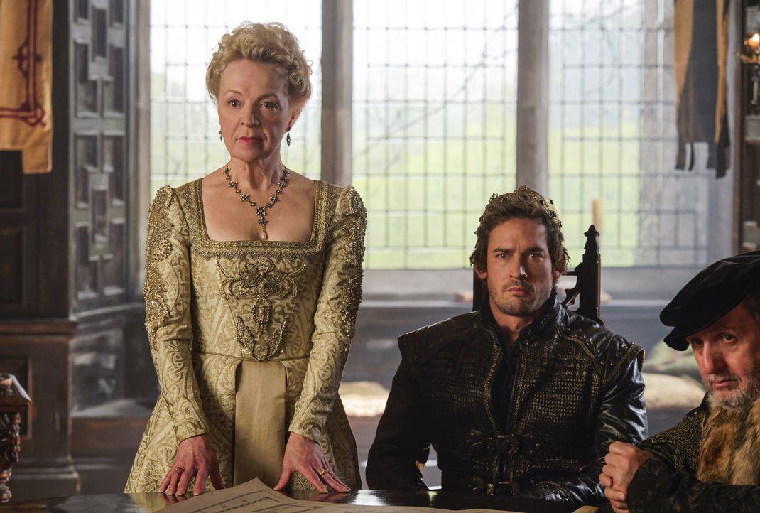 König Darnley (Will Kemp, r.) ist schwer krank und lässt seine Mutter Lady Lennox (Nola Augustson, l.) all seine Entscheidungen treffen ... - Bildquelle: Ben Mark Holzberg Ben Mark Holzberg /The CW --   2017 The CW Network, LLC. All Rights Reserved.