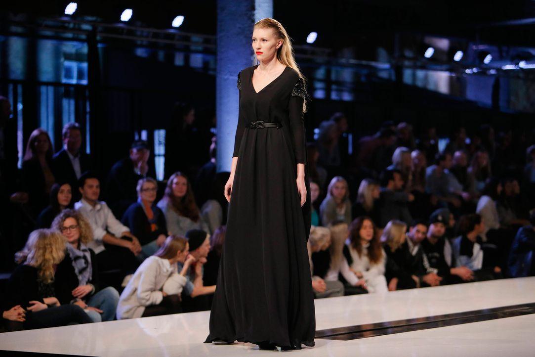 GNTM-Stf11-Epi01-erste-fashion-show-09-ProSieben-Huebner - Bildquelle: ProSieben/Richard Huebner