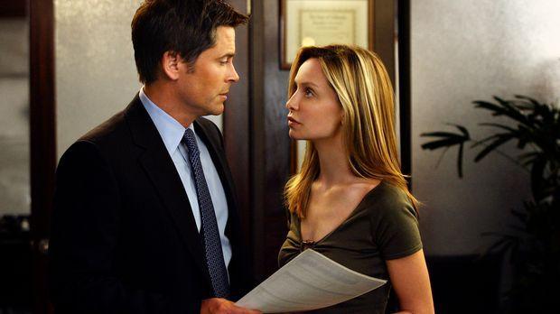 Versucht ihren Freund Robert (Rob Lowe, l.) zu überzeugen, dass ihrer beider...