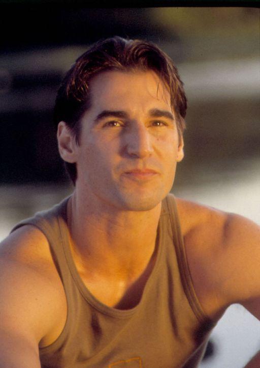 Als schwuler Italiener hat es Nino (Peter Miller) nicht leicht ... - Bildquelle: Samuel Goldwyn Films