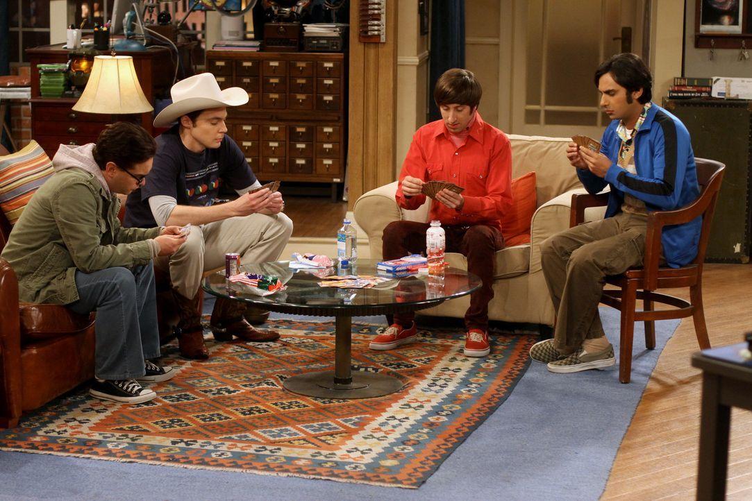 Männerabend: Sheldon (Jim Parsons, 2.v.l.), Raj (Kunal Nayyar, r.), Leonard (Johnny Galecki, l.) und Howard (Simon Helberg, 2.v.r.) ... - Bildquelle: Warner Bros. Television