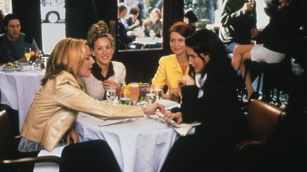 (v.li.n.re.) Samantha (Kim Cattrall), Carrie (Sarah Jessica Parker), Miranda...