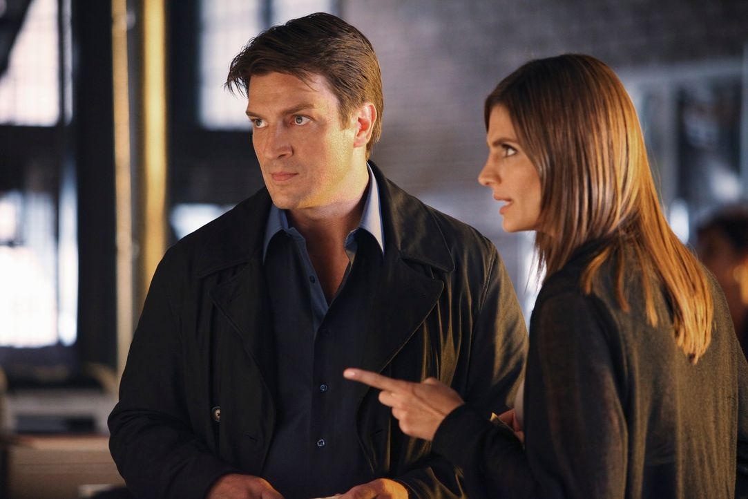 Sind sich mal wieder uneinig: Kate Beckett (Stana Katic, r.) und Richard Castle (Nathan Fillion, l.) - Bildquelle: 2010 American Broadcasting Companies, Inc. All rights reserved.