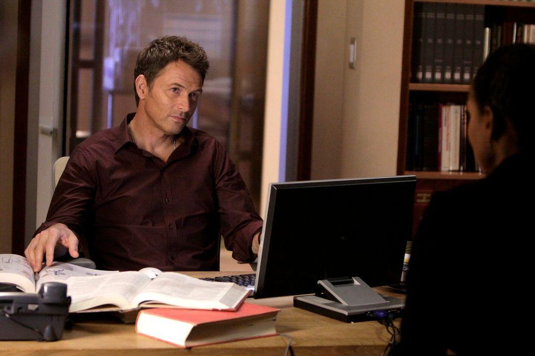 Ein neuer Arbeitstag wartet auf Pete (Tim Daly, l.) und Naomi (Audra McDonald, r.) ... - Bildquelle: ABC Studios
