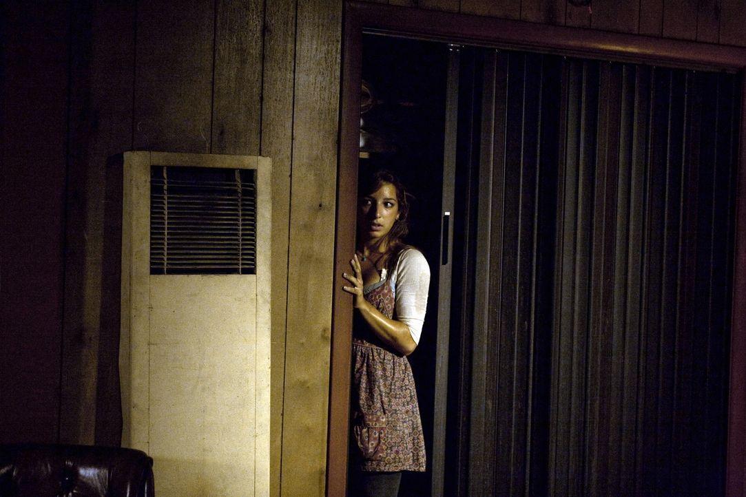 Kann Mick Leni Hayes (Vanessa Lengies) befreien ... - Bildquelle: Warner Brothers