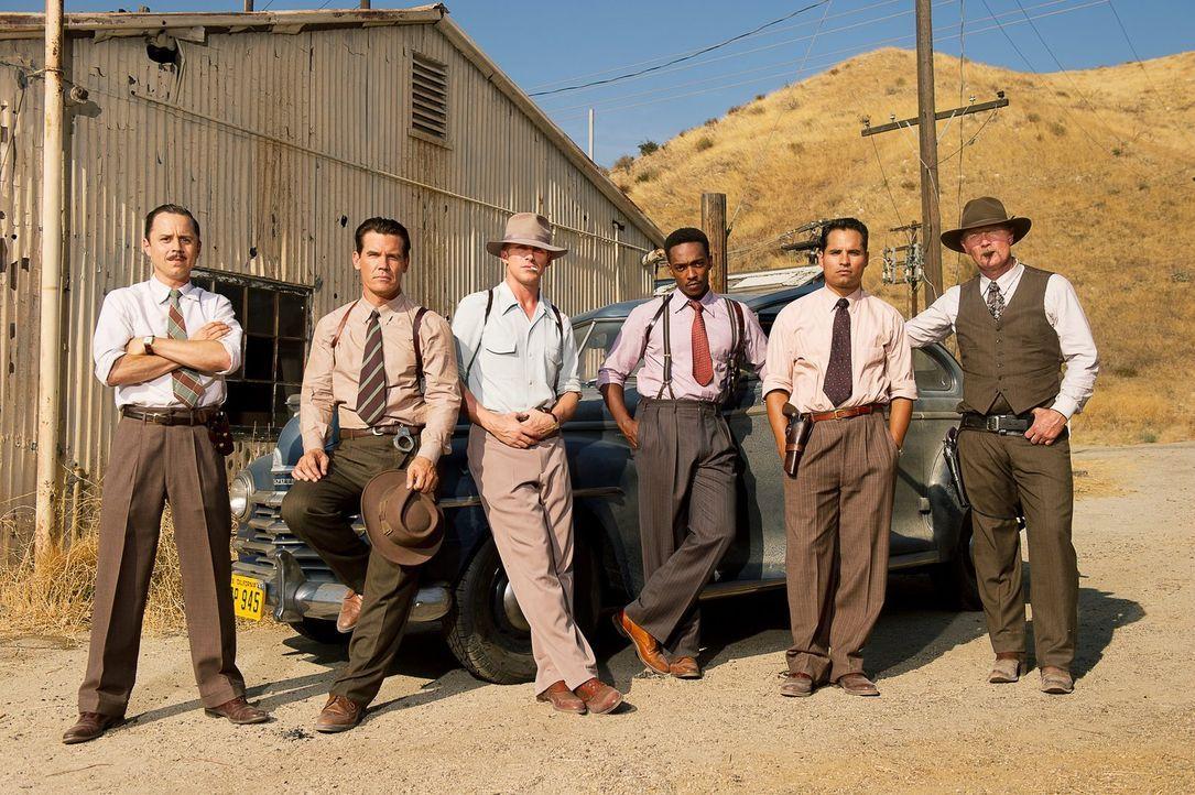 Ziehen in den Krieg gegen den skrupellose Gangsterboss Mickey Cohen: (v.l.n.r.) Officer Conwell Keeler (Giovanni Ribisi), Sgt. John O'Mara (Josh Bro... - Bildquelle: Warner Brothers