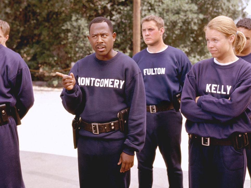 Einst war Earl Montgomery (Martin Lawrence) Kadett an der Polizei-Akademie. Er hätte ein guter Polizist werden können. doch er ist viel zu rebelli... - Bildquelle: 2004 Sony Pictures Television International. All Rights Reserved.