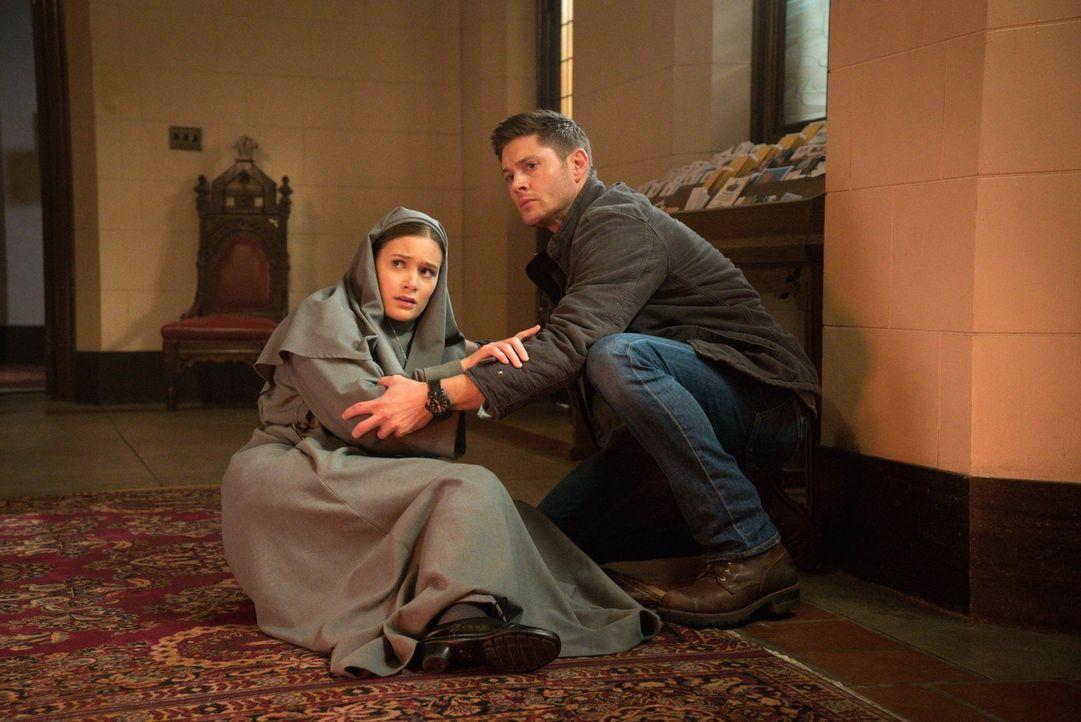 Geraten bei der Suche nach einem rachsüchtigen Geist in Gefahr: Schwester Mathias (Rachel Keller, l.) und Dean (Jensen Ackles, r.) ... - Bildquelle: 2016 Warner Brothers
